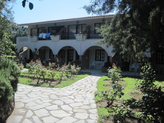 Macedonian Sun Hotel: Вот такие корпуса