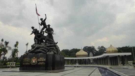 Centre ville de Kuala Lumpur : Monumento al Milite ignoto