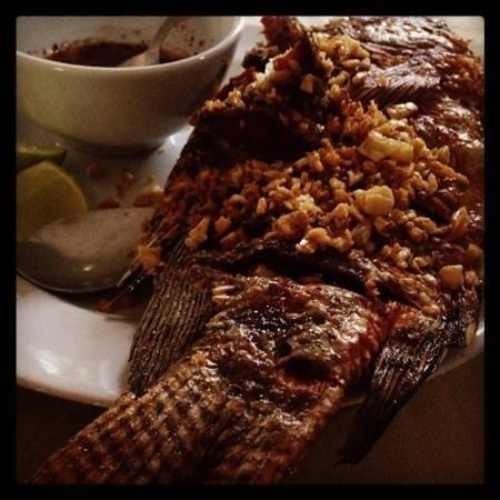 Joys Restaurant : garlic fish - sensational!