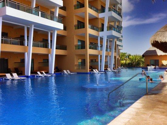El Dorado Sensimar Riviera Maya: Pool at Premium Suites