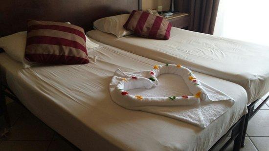 Jaz Mirabel Beach: Room 1380 towel art