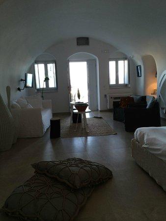 Santorini Secret Suites & Spa: Our room