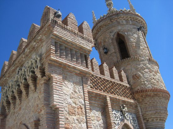 Castillo de Colomares : castle