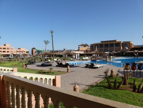 Labranda Aqua Fun Club Marrakech : view of pool and main building in distance