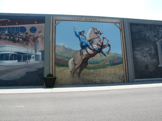 Portsmouth Floodwall Mural: Roy Rogers Part 76