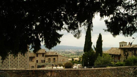 Cittadella Ospitalita : vista dal giardino