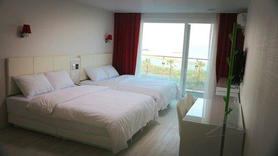 Areumdaun Resort : Big rooms!