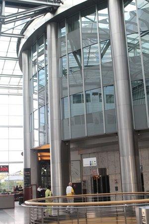 Harry's Home Hotel Wien Millennium Tower: Indoor View of Lobby