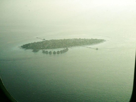 Adaaran Select Meedhupparu : Coming on to land at Meedhupparu