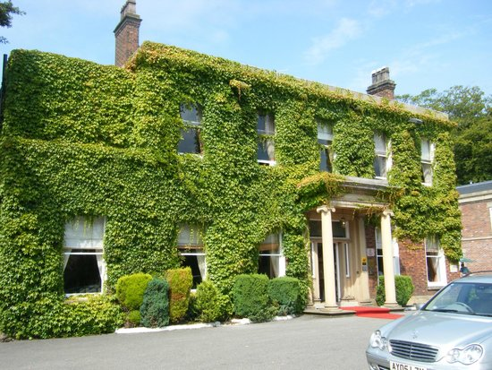 Farington Lodge Hotel: Farrington entrance
