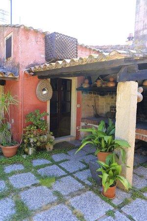 Hotel Lucrezia: Ingang kamer