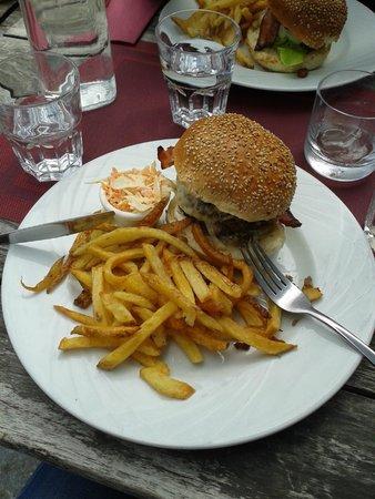 Le Delice: Hamburger fait maison