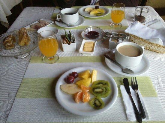 Hotel O. Gudenschwager: Desayunos exquisitos