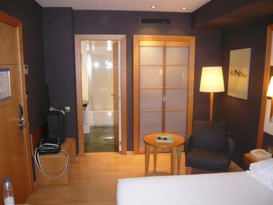 Barcelona Universal Hotel: Bedroom 801