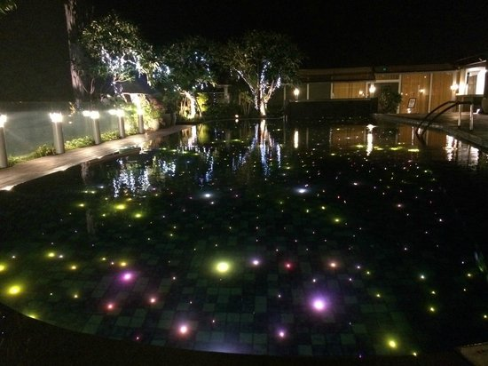 The Kuta Beach Heritage Hotel Bali - Managed by Accor: The pool at night