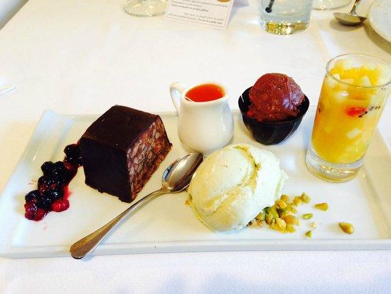 Restaurant Aquarium: Brownie de Chocolate macerado en Whisky :)