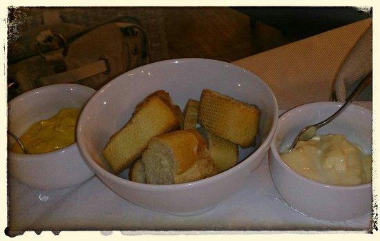 Le Cirke : Croutons und Rouille zur Bouillabaisse