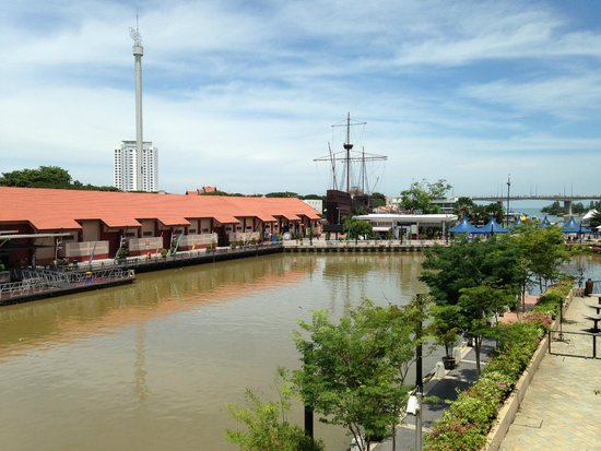 Casa del Rio Melaka: View from room -  Maritime Museum of Malacca & Taming Sari Tower