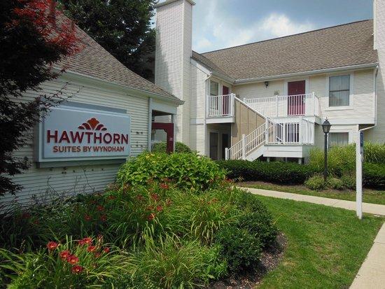 Hawthorn Suites by Wyndham Columbus North: Hotel