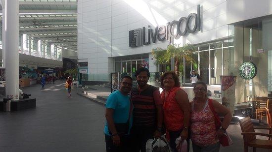 Plaza Las Americas: plaza las América,  Cancún México.