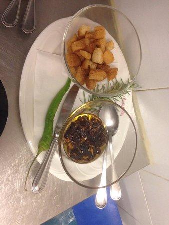 Hotel Marianna: Zuppa di ceci accompagnata a piacere con peperone dolce abruzzese fritto pane tostato o peperonc