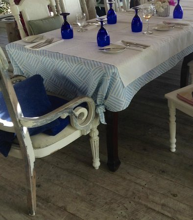 Jacqui O's BeachHouse: table