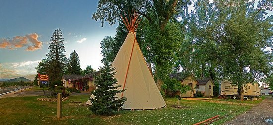 Mountain View Motel and Campground : We have Tipi Lodging available for $10 person, We Have Tent Camping, and a RV Park Too