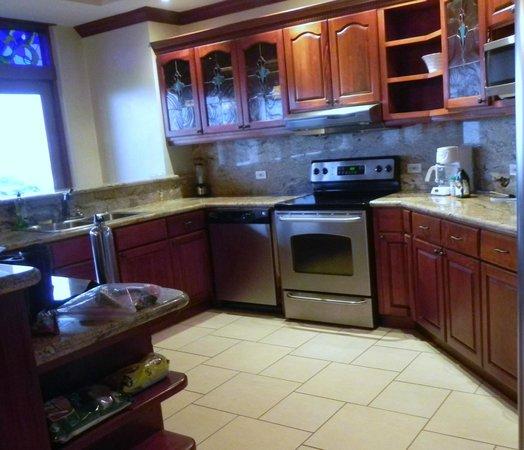 Pacifico Colonial Condominiums: Kitchen in Condo