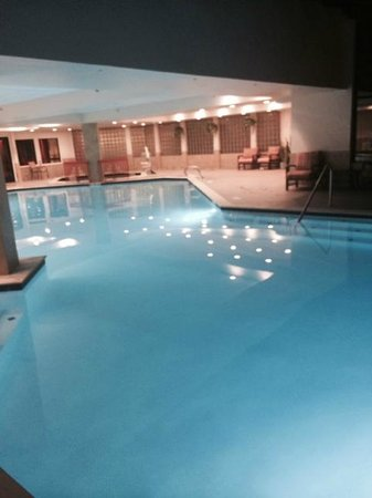 DoubleTree by Hilton Hotel Colorado Springs: Pool Updated