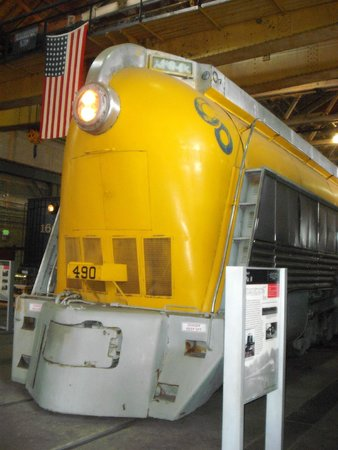 Baltimore and Ohio Railroad Museum : C&O No. 490 (Built 1926, Streamlined 1946)
