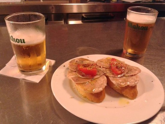 Photo of Bar Gata Mala at Carrer Rabassa, 37, Barcelona 08024, Spain