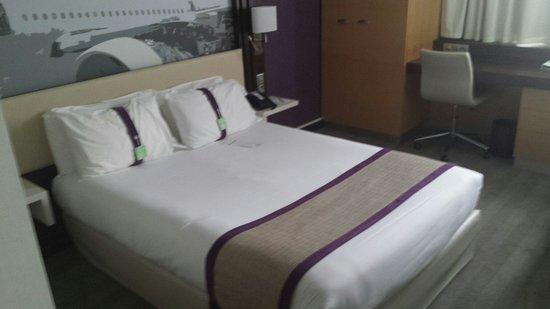 Holiday Inn Toulouse Airport : Quarto