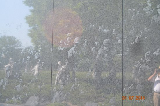 Korean War Veterans Memorial : Holograms of War