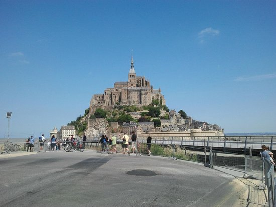 La Mere Poulard: View from land
