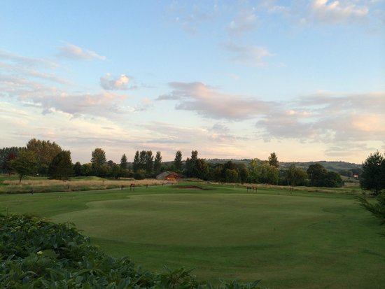 Hilton Belfast Templepatrick Golf & Country Club: Driving Range
