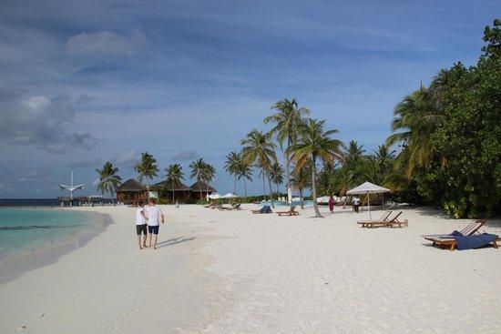Maafushivaru: Strand