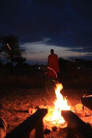 Nieleze Serengeti Camp : Falo' con masai