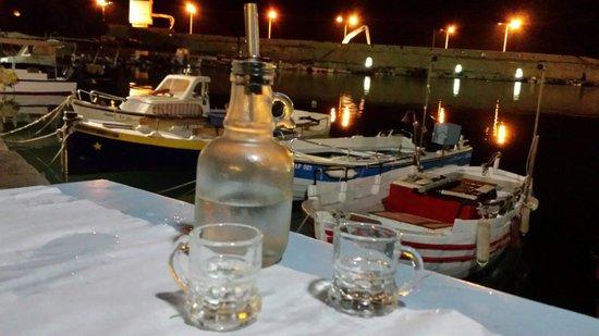 Taverna Knossos : Bel posto