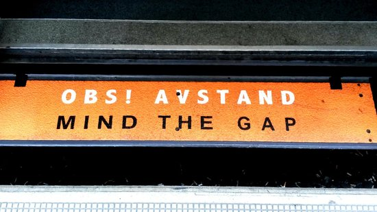 Radisson Blu Scandinavia Hotel: Watch the Gap - Train Station Oslo