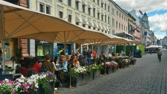 Radisson Blu Scandinavia Hotel: Many places to dine!