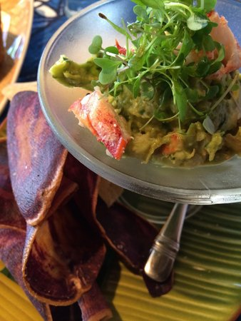 Mama's Fish House: Lobster guacamole, wow!!!