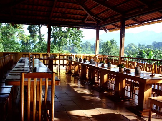 Hotel y bungalows el jardin prices campground reviews for Restaurante jardin