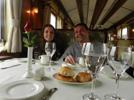 PeruRail - Belmond Hiram Bingham: Café com croissants