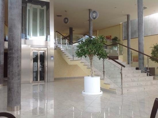 Las Costas: reception area