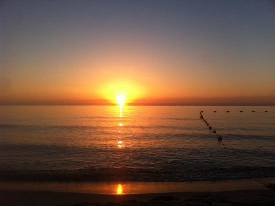 El Mouradi Club Kantaoui : Beach sun rise at 4:30