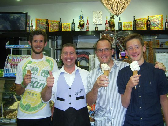 O'Sciality: With the proprietor and 3 yummy cones.