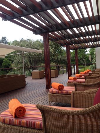 Southern Sun Montecasino: By the pool