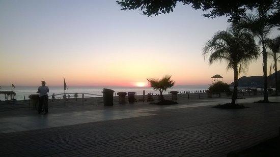 Kleopatra Beach: zachód słońca