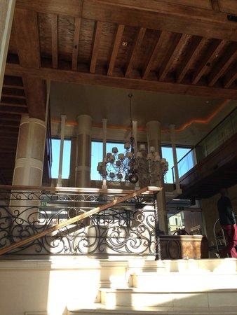 Southern Sun Montecasino: Lobby area