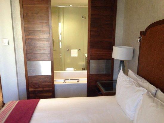 Southern Sun Montecasino: Room